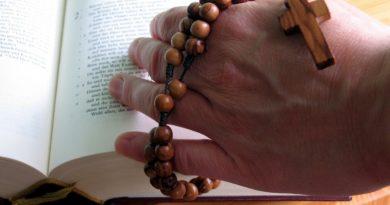 Prière du chapelet pendant le mois d'août